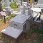 十字架のお墓をたてました