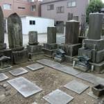お墓の雑草除けに洗い出し加工をしました