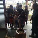 江戸川区瑞江のお寺のお餅つきの手伝いに行きました