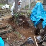 青山霊園でお墓の基礎工事をしております