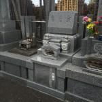 蓮華加工付の洋型墓石が出来上がりました/開眼供養を行いました
