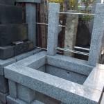 葛飾区四つ木のお寺でお墓の工事をしております。
