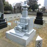 都立谷中霊園にて、茨城産の真壁小目の五輪塔が完成しました。